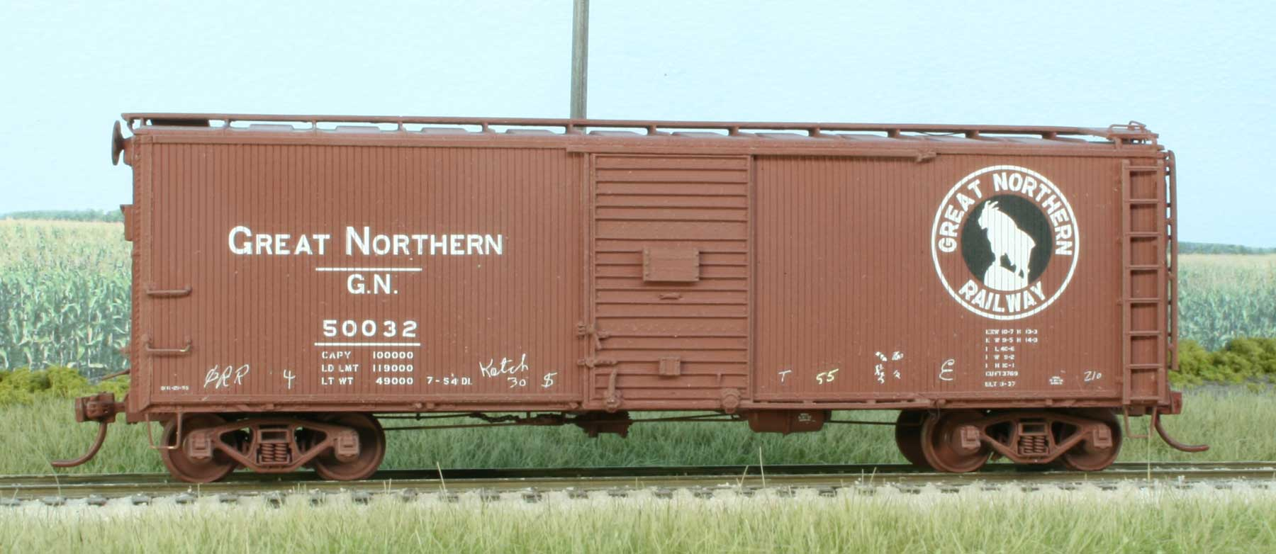 Kit 11.0 - Great Northern Mid-Century 40-foot, 6-inch Composite Wood-Sheathed Boxcars
